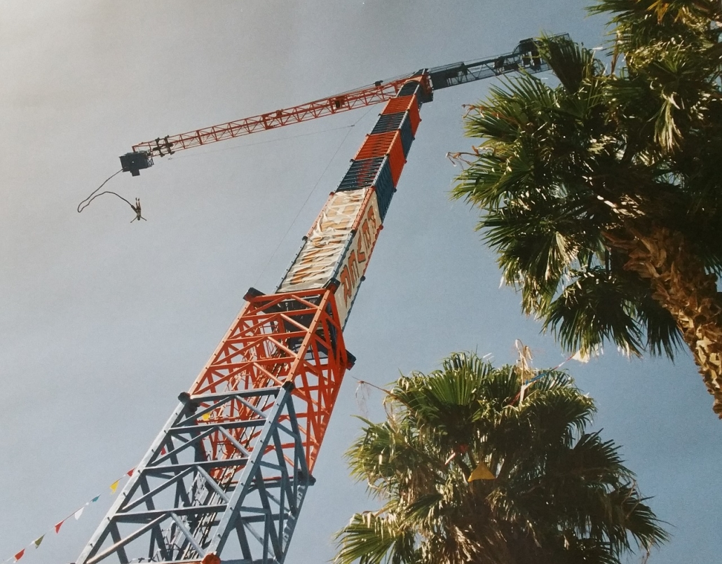 1992 Bungee Fever tower crane