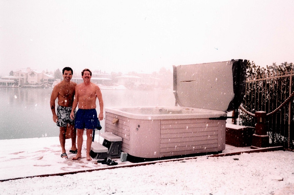 2004 Winter and snow in Vegas, Brian Golie & Ron hot tub during storm